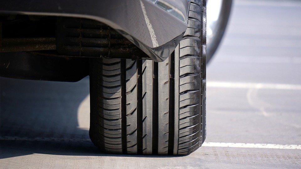 Kontrola tlaku v pneumatikách (TPMS)