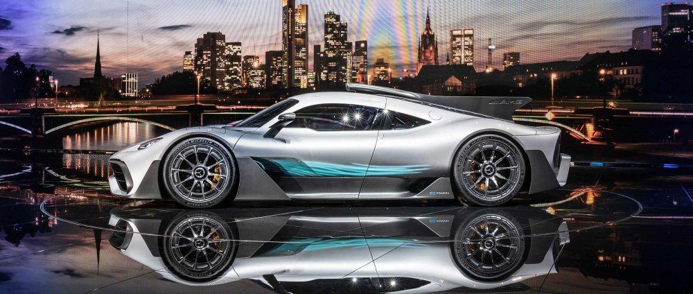 Mercedes-AMG Project One - první formule 1, která smí na silnice