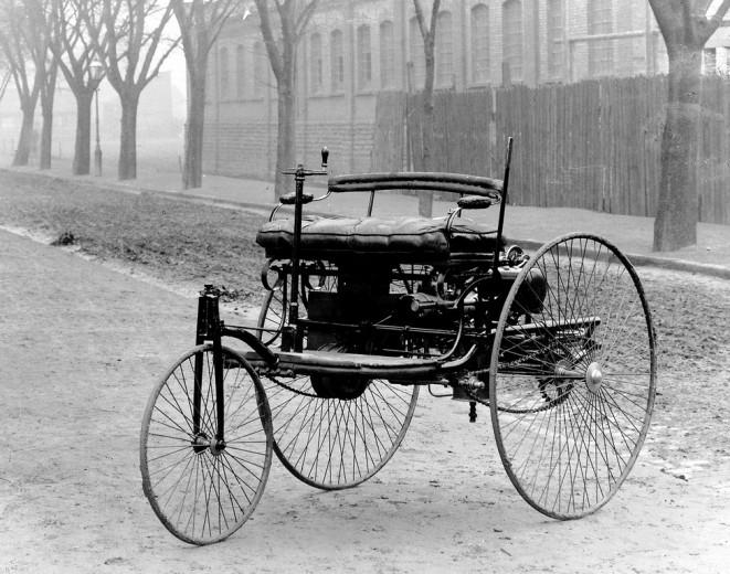 První automobil na světě
